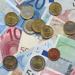 800px-Euro_coins_and_banknotes